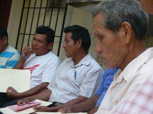 Animadores de las comunidades rurales, presentes en la asamblea, trabajando también los temas traatados